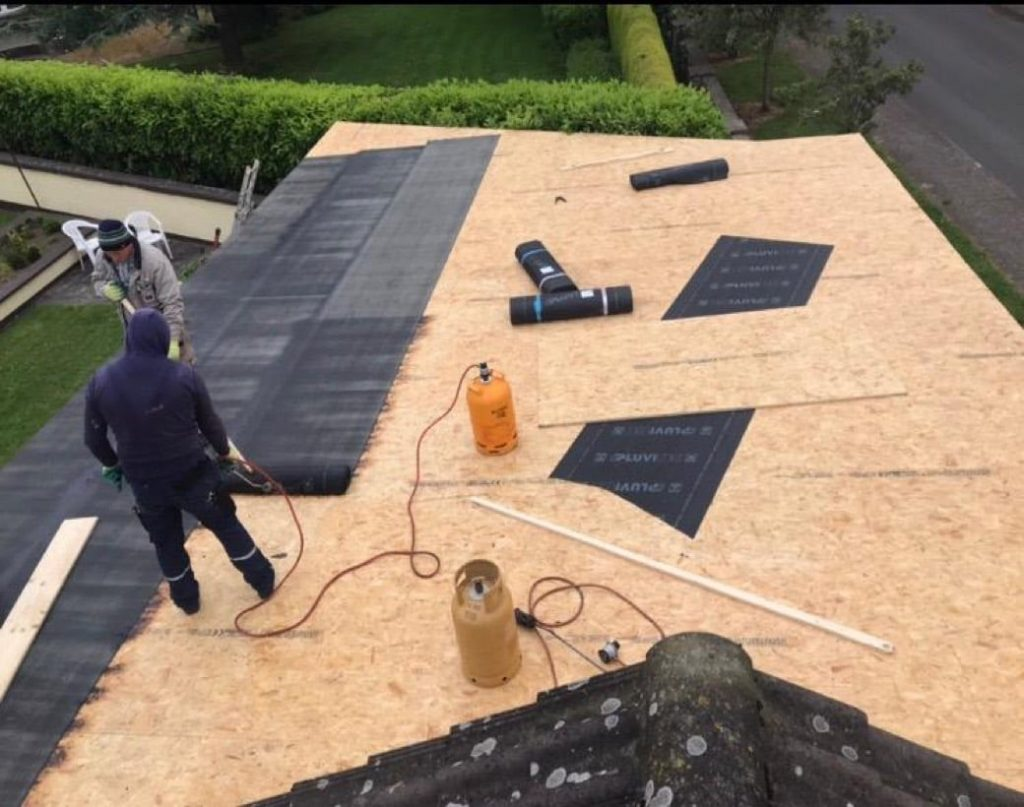https://roofersdublin.org/wp-content/uploads/2020/08/Weatherproof-Roofing-Flat-Roofing-1024x807.jpg